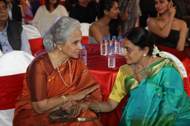 Waheeda Rehman in deep conversation with Bhawana Somaaya, author and film critic (Photo courtesy: Bhawana Somaaya)