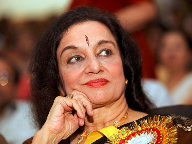 "Asha Parekh is disappointed with the roles coming her way nowadays (Photo: Twitter/<a href=""https://twitter.com/ET_Lifestyle"">@ET_Lifestyle</a>)"