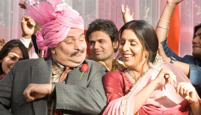 Rishi Kapoor and Neetu Singh Kapoor in a scene from<i> Do Dooni Char</i>