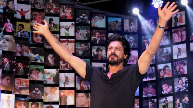 SRK launches the <i>Fan</i> trailer in Mumbai (Photo: Yogen Shah)