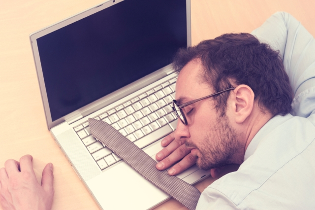 Sitting for too long is the easiest way to gain weight. (Photo: iStock)