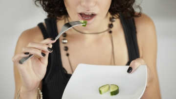 Not eating enough is a mistake that ruins your metabolism! (Photo: iStock)