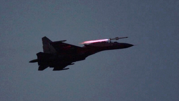 A Sukhoi 30 during the 'Exercise Iron Fist' show in  Pokhran on Friday. (Photo: PTI)