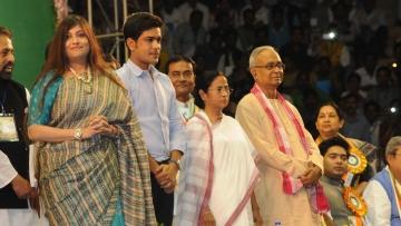 Vaishali Dalmiya (L), Laxmi Ratan Shukla, and Abdur Rezzak Mollah join the TMC party in the presence of its supremo, Mamata Banerjee, at the party`s extended general council meeting in Kolkata, on 12 Feb  2016. (Photo: IANS)