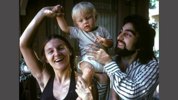 An old photograph of Leonardo DiCaprio with his parents shared by 'History In Pictures' on their Facebook page (Photo courtesy: Facebook)