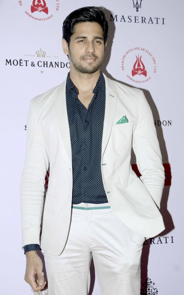 Sidharth Malhotra bagged the Haute Stepper Award (Photo: Yogen Shah)