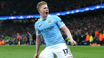 Manchester City's Kevin De Bruyne celebrates scoring his side's first goal of the game. (Photo: AP)