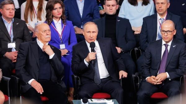 Speaking on Thursday at a media forum in St.Petersburg, Putin rejected links to offshore accounts, calling the leaks part of Western efforts to weaken Russia. (Photo: AP)