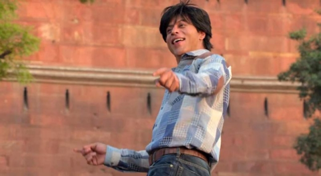 From<i> jabra </i>fan to crazy criminal, all in a day's work for Gaurav (Photo: YouTube/YRF)