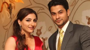 Soha Ali Khan (L) and Kunal Kemmu (R).(Photo: Twitter/@ly57love)