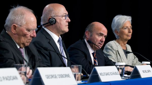 German FM Wolfgang Schaeuble, French FM Michel Sapin, Spanish Economy Minister Luis de Guindos and IMF Managing Director Christine Lagarde during the  G5 Ministers of Finance in Washington, 14 April  2016. (Photo: AP)