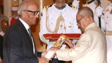 My father-in-law, RC Bhargava – the chairman of Maruti-Suzuki – being presented with the Padma Bhushan award. (Photo Courtesy: Jyotsna Mohan Bhargava)