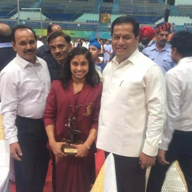 "Arjuna awardee Dipa Karmakar with Sports Minister Sarbananda Sonowal. (Photo: <a href=""https://www.facebook.com/dipa.karmakar.18?fref=ts"">Facebook</a>)"