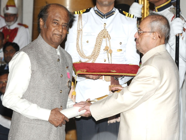 President Pranab Mukherjee confers the Padma Vibhushan on veteran actor Rajinikanth at the Rashtrapati Bhavan. (Photo: PIB)