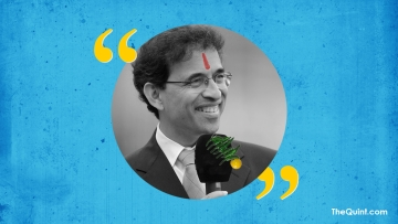Harsha Bhogle's wisdom, now in a sanskaari avatar! (Photo: Aaqib Raza Khan/<b>The Quint) </b>