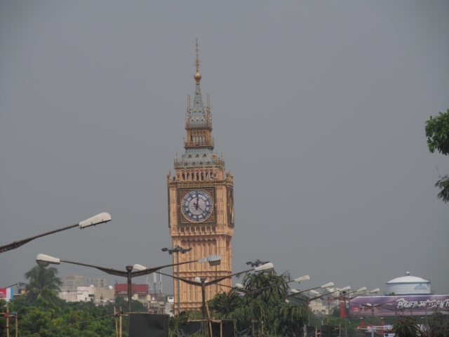 The urban electorate in Bengal seems unimpressed with Banerjee's creation of the Big Ben en route to the airport. (Photo Courtesy: Wikimedia Commons)