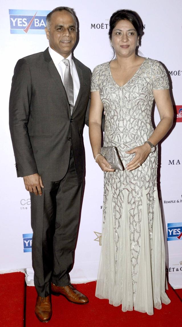Priya Dutt and her husband on the red carpet (Photo: Yogen Shah)
