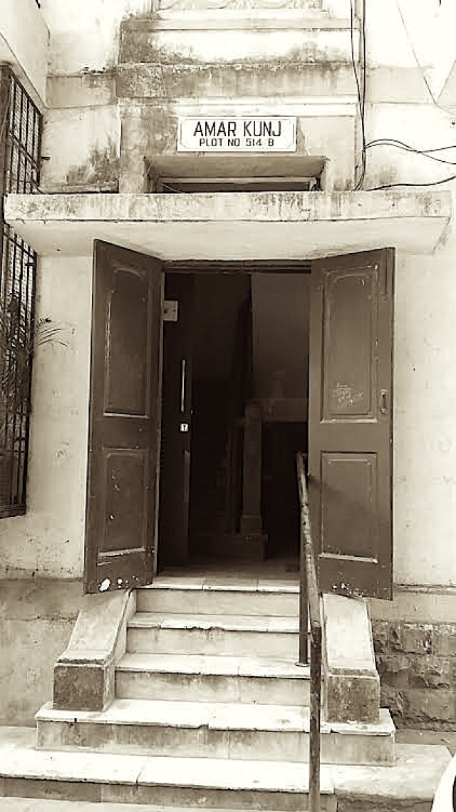 The building which KL Saigal owned and lived in, Matunga, aka Punjabi Gully or Hollywood Lane.