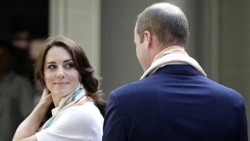 Prince William, and Kate, the Duchess of Cambridge, take a tour of Gandhi Smriti in New Delhi, India, Monday, April 11, 2016. (Photo: AP)