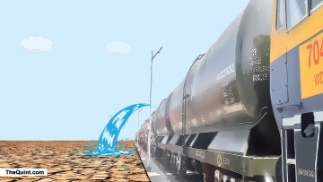 A train delivered water to relieve Latur from the drought. (Image altered by <b>The Quint</b>)