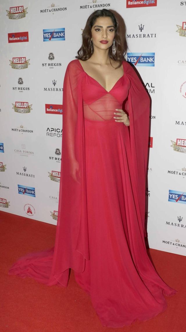 Sonam Kapoor won the 'Critics Award' for <i>Neerja</i> (Photo: Yogen Shah)