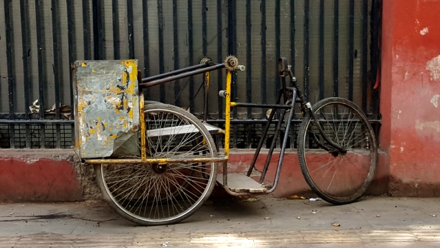 An abandoned PCO rickshaw. (Photo: Prashant Chahal)