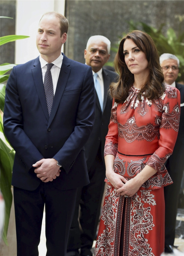 Kate brings the peplum back with such style (Photo: AP)