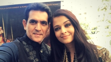 "Sarbjit director Omung Kumar and Aishwarya Rai Bachchan take their film to Cannes (Photo: Twitter/<a href=""https://twitter.com/OmungKumar"">@OmungKumar</a>)"