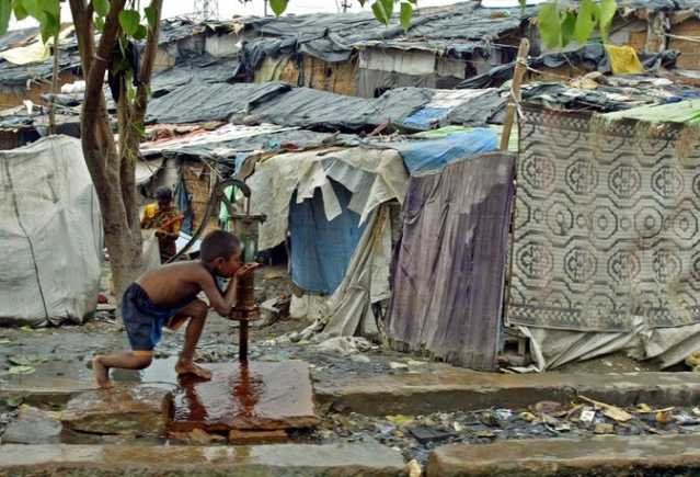 49% of Delhi's population resides in slums. (Photo:<b> The Quint</b>)