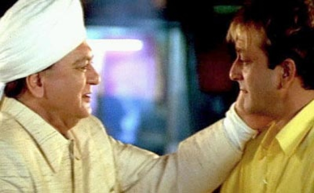 Sunil Dutt's last acting stint was with son Sanjay in <i>Munna Bhai MBBS</i> in 2003
