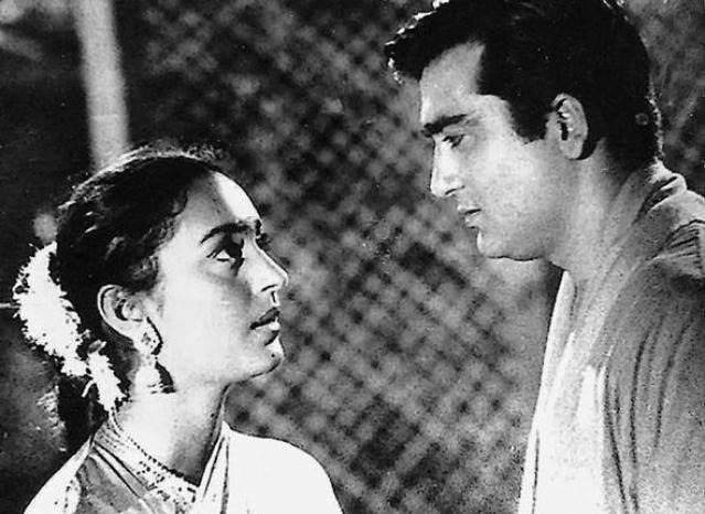 Sunil Dutt in a scene from <i>Sujata</i> with Nutan