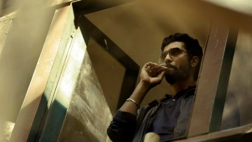 Vicky  Kaushal in a still from <i>Raman Raghav 2.0</i>
