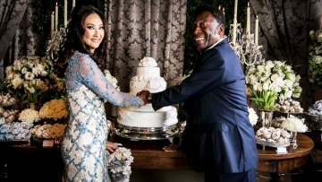 "He will tie the knot with his 50-year-old girlfriend Marcia Cibele Aoki at a small religious ceremony in Sao Paulo next week. (Photo: Pele <a href=""https://www.facebook.com/Pele/photos/a.402724329746692.98473.372164252802700/1290763970942719/?type=3&theater"">Facebook Page</a>)"