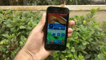 Freedom 251 phone from Ringing Bells. (Photo: <b>The Quint</b>)