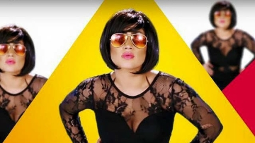 """Days before her murder, Qandeel's identity documents were exposed and she was planning to move abroad because of death threats. (Photo Courtesy: Facebook/<a href=""""https://www.facebook.com/OfficialQandeelBaloch/photos/pb.339947236150035.-2207520000.1468844686./869292566548830/?type=3&theater"""">Qandeel Baloch Official</a>)"""