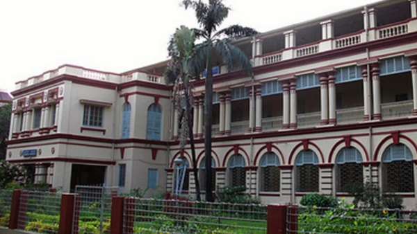 Jadavpur University VC Allegedly Heckled, Manhandled by Students