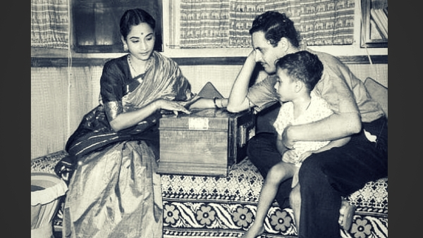Geeta Dutt sings for Guru Dutt and their son.