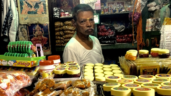 Small business owners have to grasp the new concepts under GST. (Photo: Vikram Venkateswaran/<b>The Quint</b>)