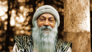 "(Photo Courtesy: <a href=""http://www.sannyas.wiki/index.php?title=Images_of_Osho"">sanyas.wiki</a>)"