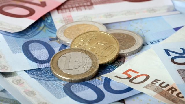 BRIC, ASEAN or SAARC have not been able to come up with a program of economic integration among the member countries or a common currency on the lines of Euro.(Photo: iStockphoto)