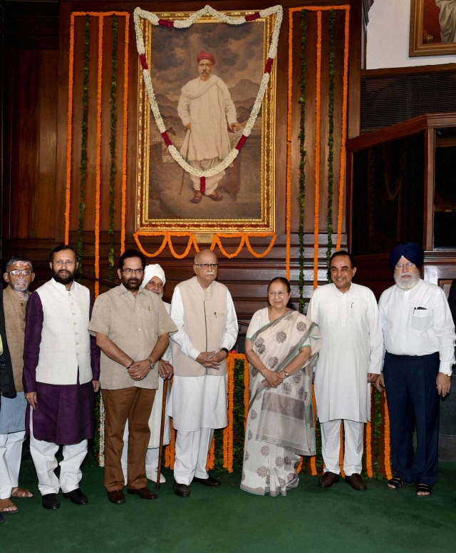 Sumitra Mahajan, Mukhtar Abbas Naqvi, Prakash Javadekar , Santosh Gangwar, SS Ahluwalia, LK Advani and  Subramanian Swamy paying tribute to Lokmanya Bal Gangadhar Tilak on his birth anniversary at Parliament in New Delhi.