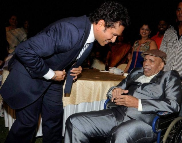 Sachin Tendulkar with Ramakant Achrekar during the screening of his film.