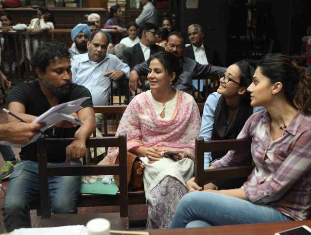 "Shoojit with his <i>Pink </i>gang of girls during the shoot. (Photo courtesy: <a href=""https://twitter.com/ShoojitSircar/status/771971556092379136"">Twitter/ ShoojitSircar</a>)"
