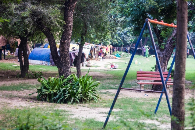 There is a small children's playing area next to the first tomb near which these tents were set up. (Photo: Abhilash Mallick/<b>The Quint)</b>