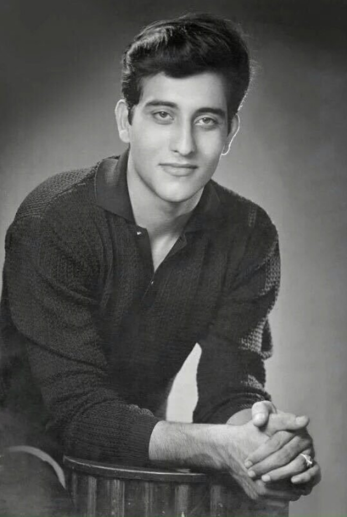 Vinod Khanna: The Actor Who Became a Monk and Sold His Mercedes