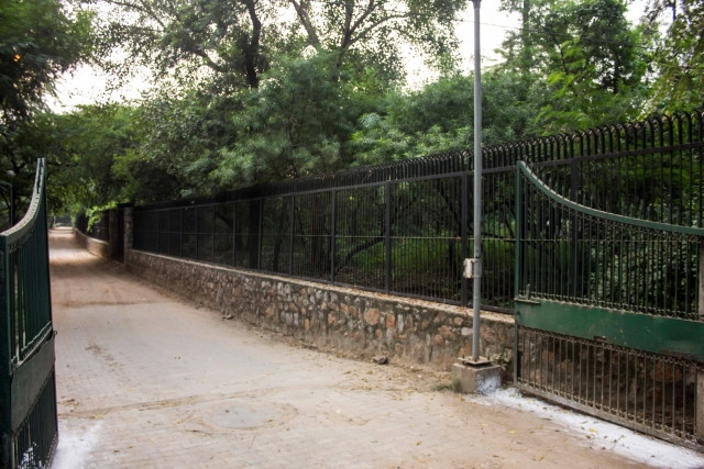 The entrance of the park. (Photo: Abhilash Mallick/<b>The Quint)</b>
