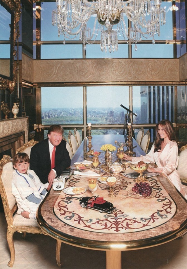 Donald Trump with family (Photo: AP)