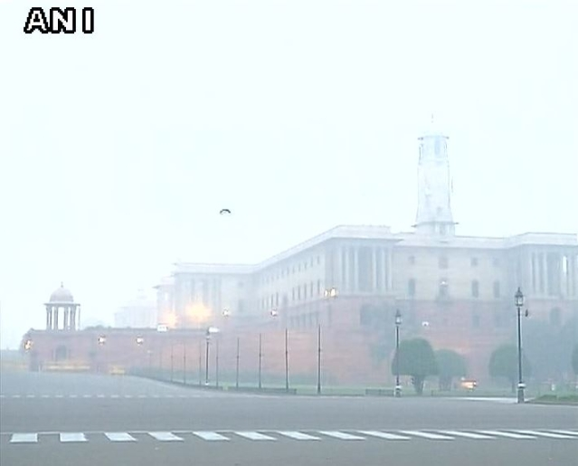 Delhi's pollution on Tuesday morning.(Photo Courtesy: ANI)