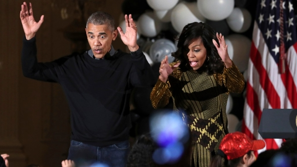 Obamas Get Their Groove On With MJ's 'Thriller' On Halloween