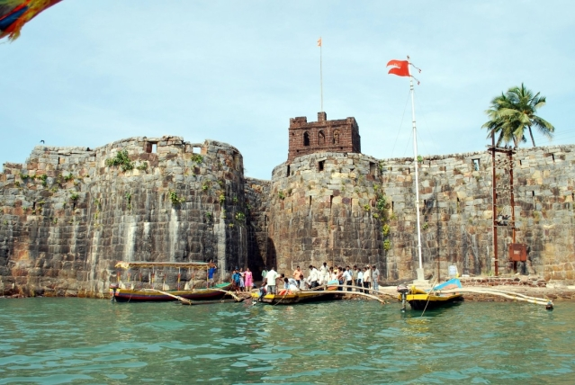 "Sindhudurg fort in Konkan. (Picture Courtesy: <a href=""http://shreeganesharesort.com/sindhudurg-fort/"">shreeganesharesort.com</a>)"